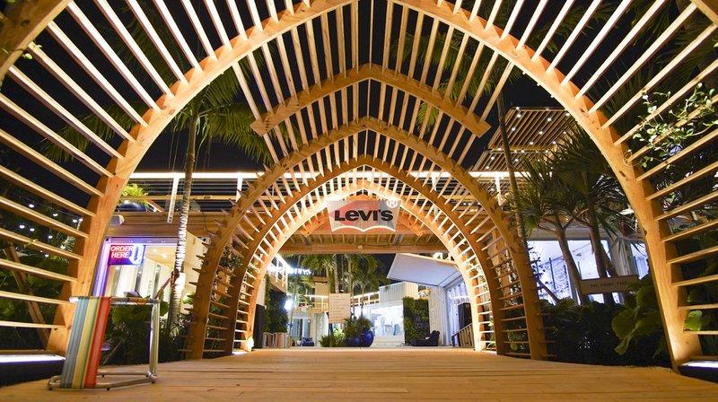 Levi's Haus Miami photo archway.jpg