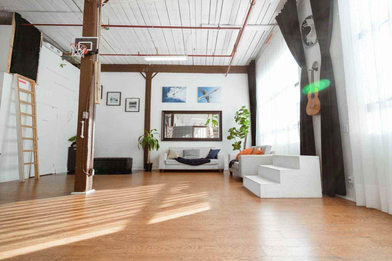THAT Toronto Studio - Event Venue Rental photo Client-area-very-bright-direct-sunlight-THAT-Toronto-Studio.jpg