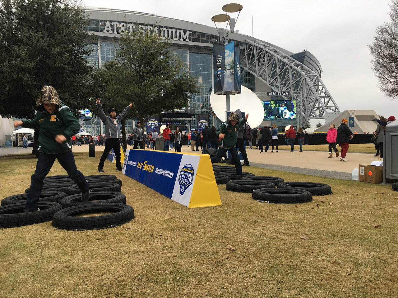 2017 Cotton Bowl photo OrcaVue-_0002_Tire-Hop.jpg