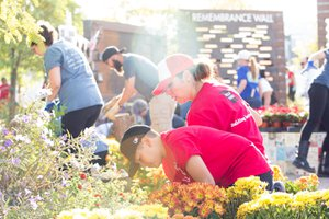 Healing Garden Volunteer Day photo Web_SS1_4193.jpg