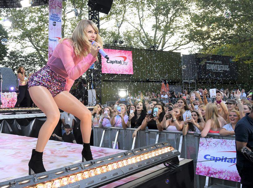 Taylor Swift - Central Park