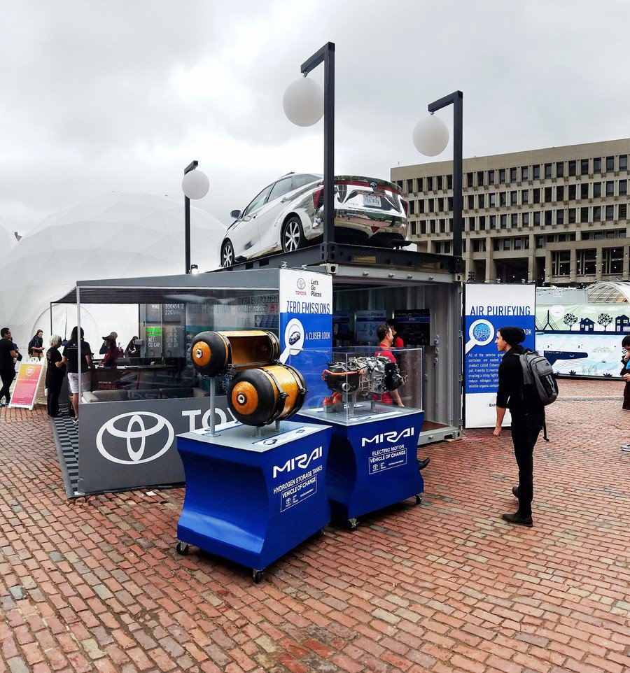 Toyota at Boston HUBweek photo Low Res JPG 150 DPI-ToyotaMirai_BostonHubWeek2017_08.jpg