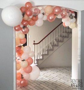 RentAll Affaris photo blush pink white ballon garland.jpg
