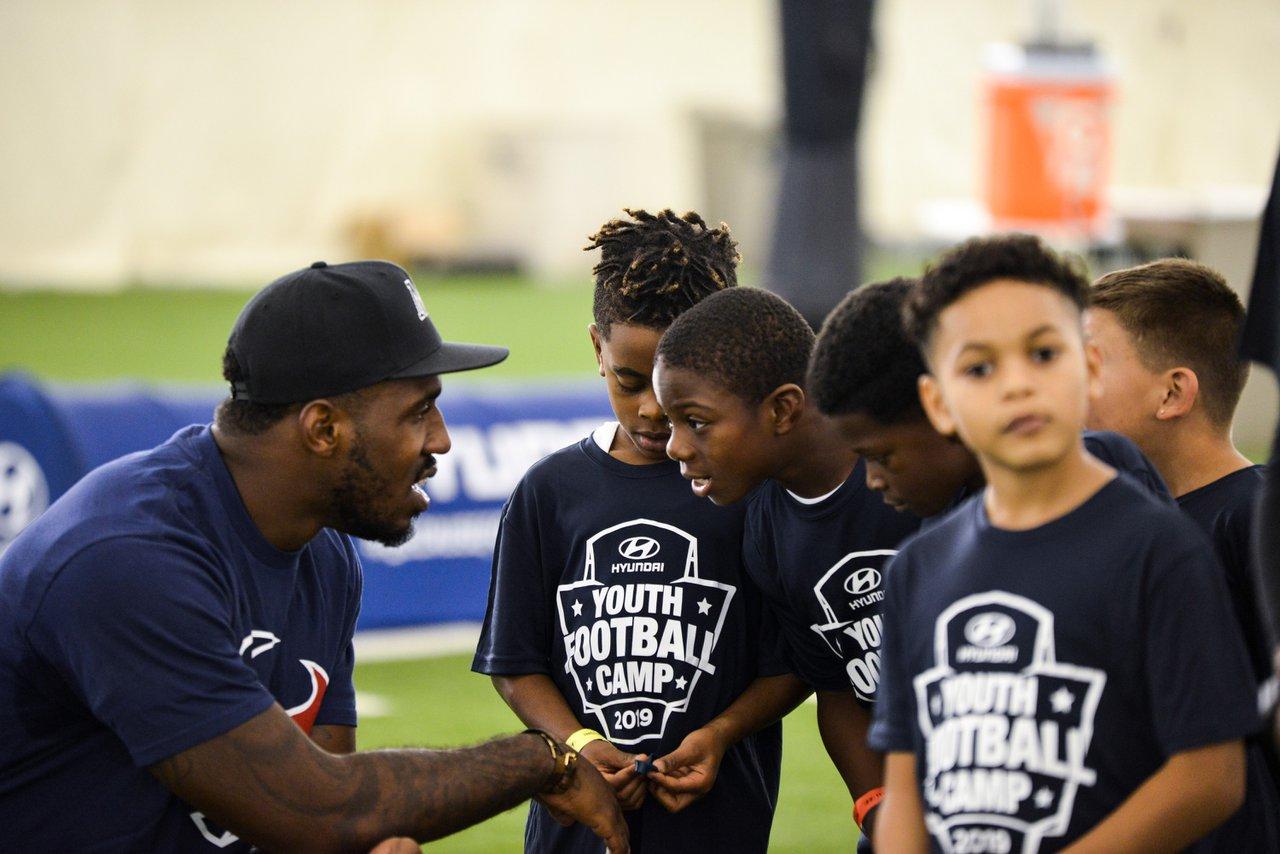 Hyundai Youth Football Camps photo OHelloMedia-Hyundai-YouthFootballCamps-Houston-TopSelect-4660.jpg