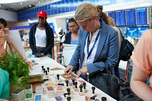 Etsy X JetBlue Pop Up Craft Station photo 2017_05_18_ETSY_JETBLUE_EVENT_0101.jpg