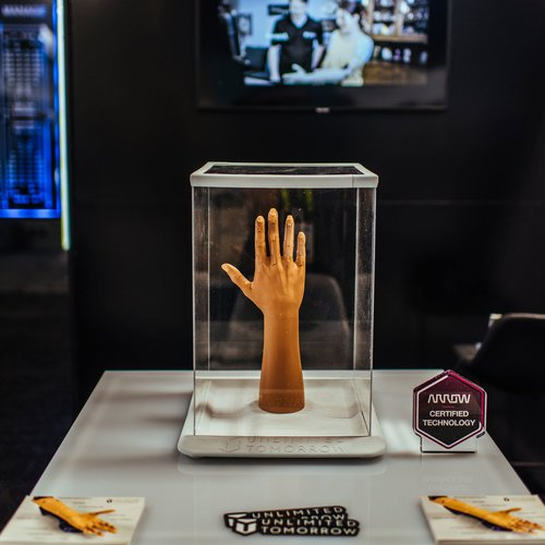 Arrow Electronics 2019 CES Activation photo 1555688921571_Arrow-CES-hand.jpg