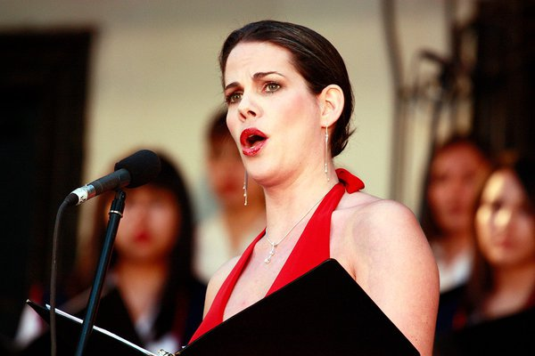 Wine and Opera photo Kala-Maxym-singing-Chile-Five-Senses-Tastings-Live-Music.jpg