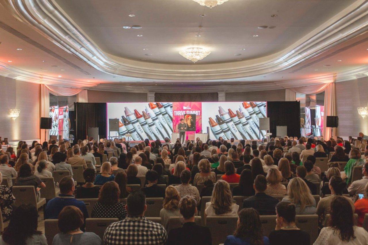 Thrive Summit photo THRIVE-PULSE-2018-_-264-1366x911.jpg