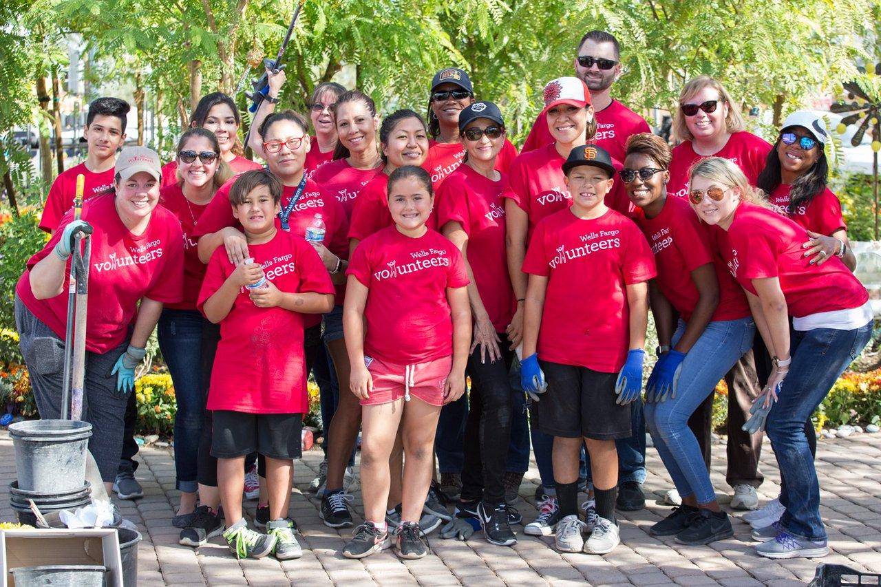 Healing Garden Volunteer Day photo Web_SS1_4689.jpg