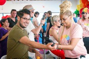 Bubly Sparkling Water at LA Pride photo OHelloMedia-BublySparklingWater-LAPrideParade-TopSelect-09610.jpg