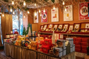 Holiday Market Pop Up Store photo 2018_12_December_holidaymarket_03.jpg