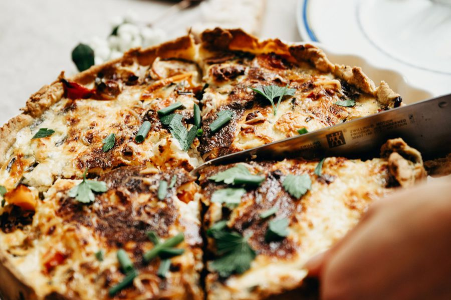 Learn To Make French Quiche: TravelingSpoon_CoverPhoto_Leonie_FrenchQuiche.jpg