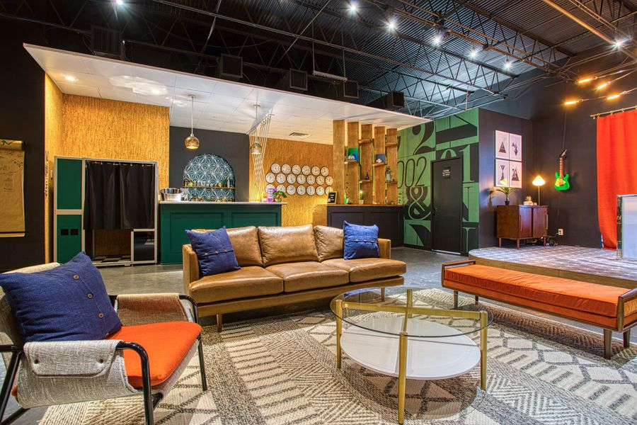 Houston Live Lounge